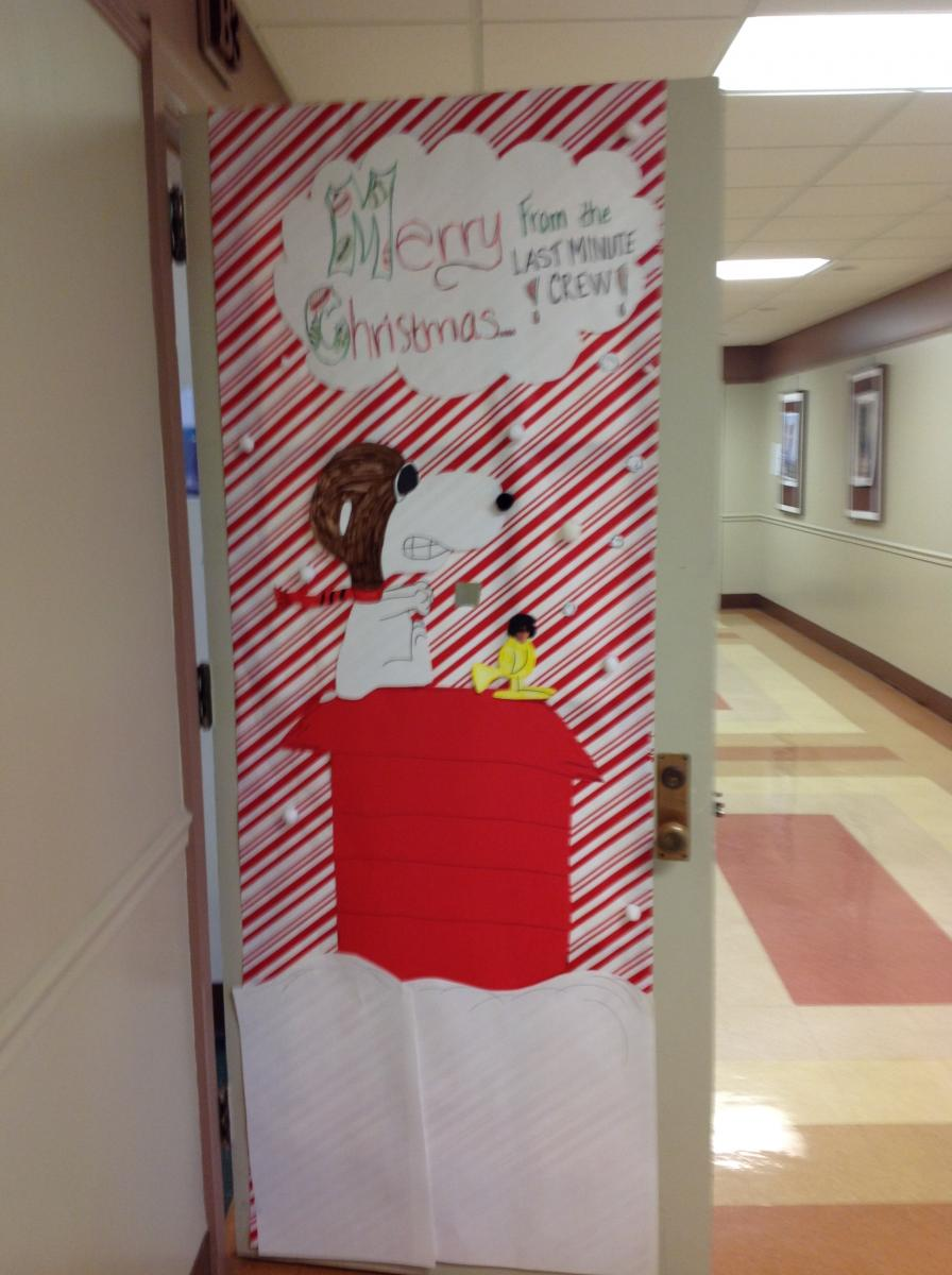 christmas door decoration gallery phil mont christian academy - Christmas Locker Decorations
